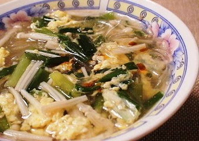 Lightly-flavored Chinese Soup with Cellophane Noodles and Chicken Skin