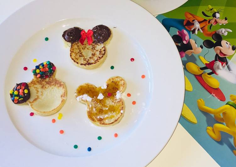 Step-by-Step Guide to Make Award-winning Mickey Mouse crumpets
