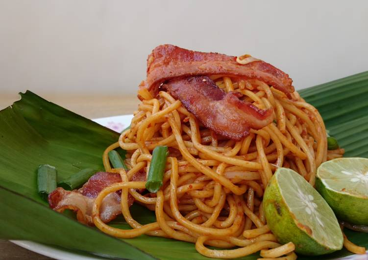 Consume These 14 Superfoods to Go Green for Optimal Health Spicy Noodle / Sambal Mee Goreng