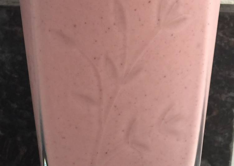 Recipe of Strawberry Smoothie in 30 Minutes at Home