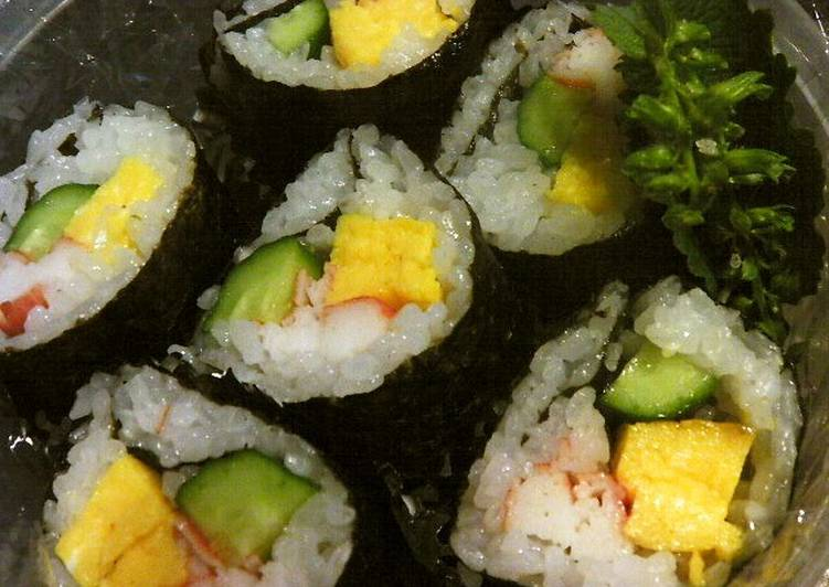 Everyone Loves These! Simple Futomaki