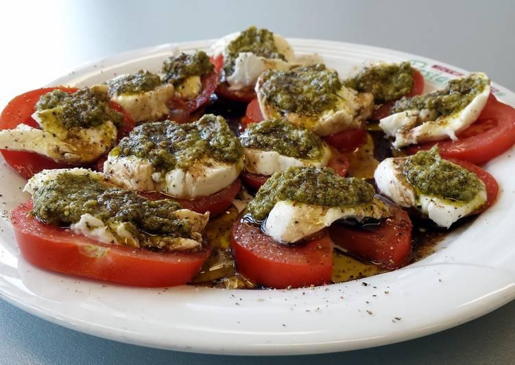 Tomato Mozzarella Pesto Salad