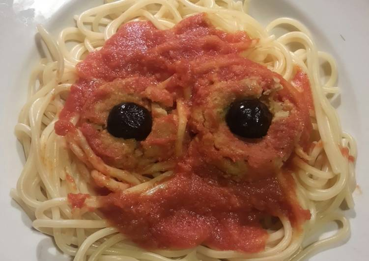 How to Prepare Appetizing AMIEs Halloween SPAGHETTI with Meatballs