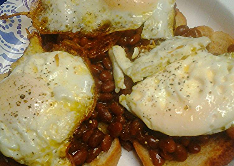 Baked beans on toast with egg, Heart Friendly Foods You Should Eat