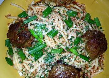 How to Prepare Tasty 4 Cheese Meatballs And Spaghetti