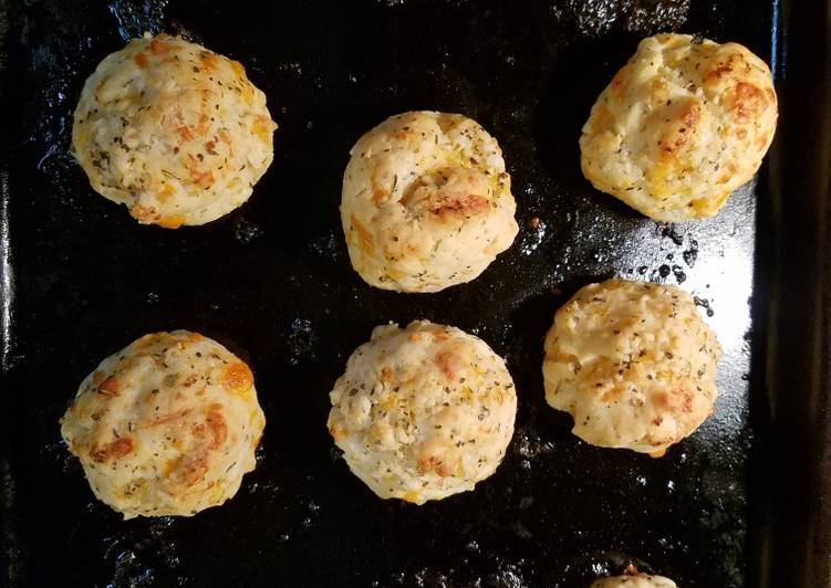 Simple Way to Prepare Speedy Gluten Free Garlic Cheddar Biscuits