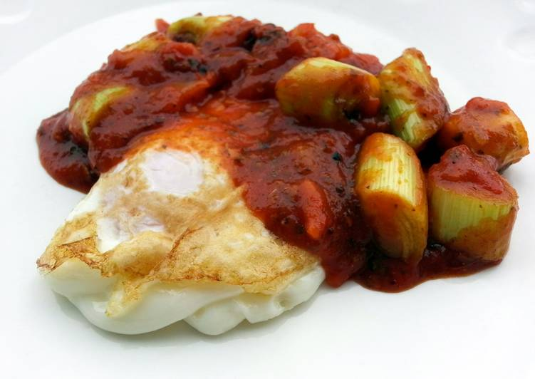 Fried Eggs With Leeks Top Bolognese Sauce
