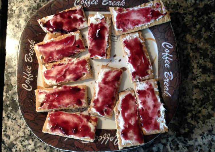 Cream Cheese/Jelly Crackers