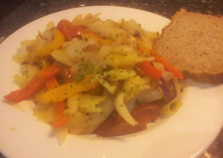 Easy & Tasty Cabbage, Peppers and Sausages