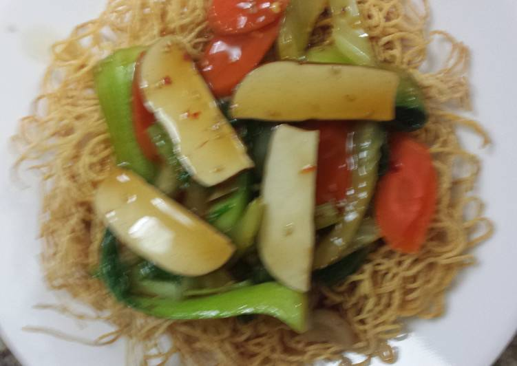 Recipe of Any-night-of-the-week Crispy noodles and vegetables  (vegetarian bird's nest)