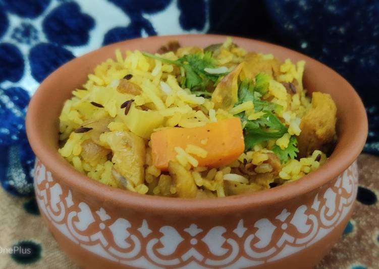 10 Minute Recipe of Super Quick Homemade Hyderabadi Biryani