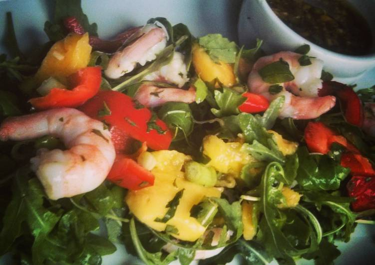 Prawn, mango and rocket salad with lime soy dressing