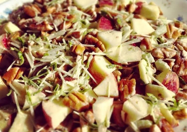 Apple & Pecan Salad