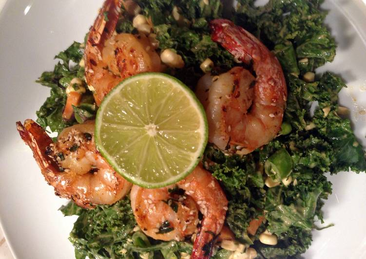 How to Make Appetizing Spicy Thai Shrimp & Kale Salad