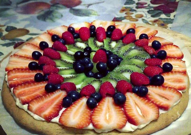 How to Make Quick Delicous Fruit 'Pizza'!
