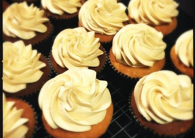 White Chocolate Cupcake with Peanut Butter frosting