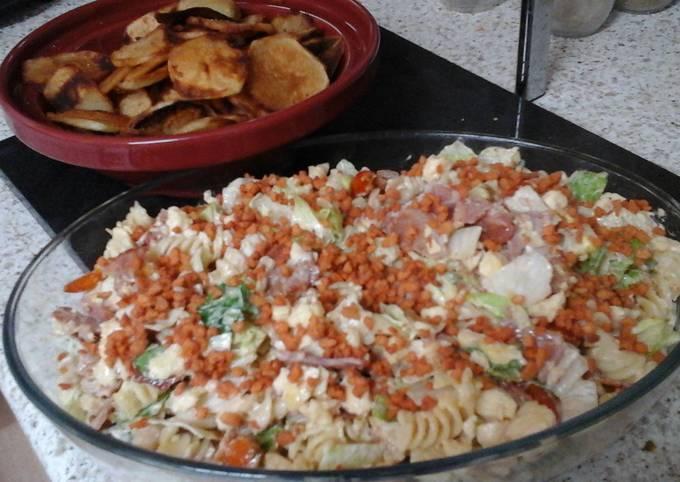 My BLT Pasta Salad (Bacon, Lettuce & Tomato) with Potato Crisps