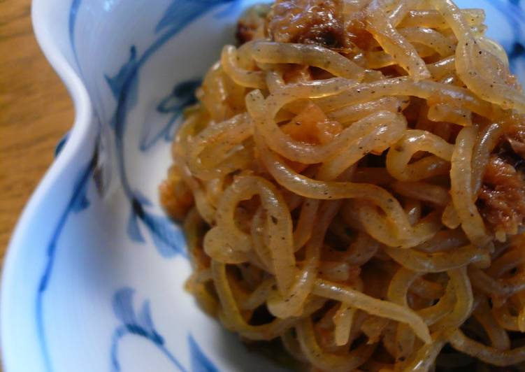 Recipe of Perfect Shirataki Noodles Boiled with Pickled Plums and Bonito Flakes