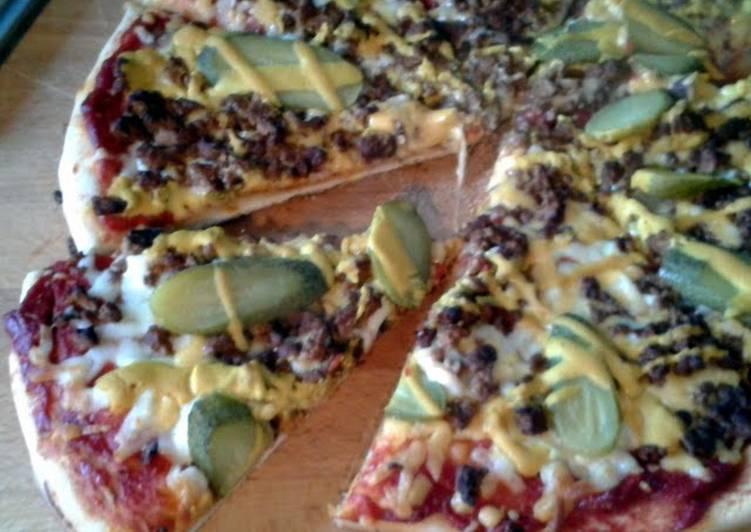 Recipe: Tasty Vegetarian 'Cheeseburger' Pizza
