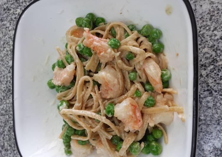 Shrimp Alfredo with Peas