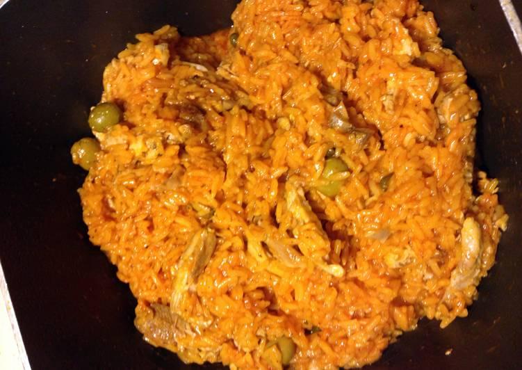 How to Prepare Perfect Arroz Con Pollo (Chicken And Rice)