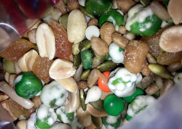 Shahan's Ultimate Trail Mix - Laurie G Edwards