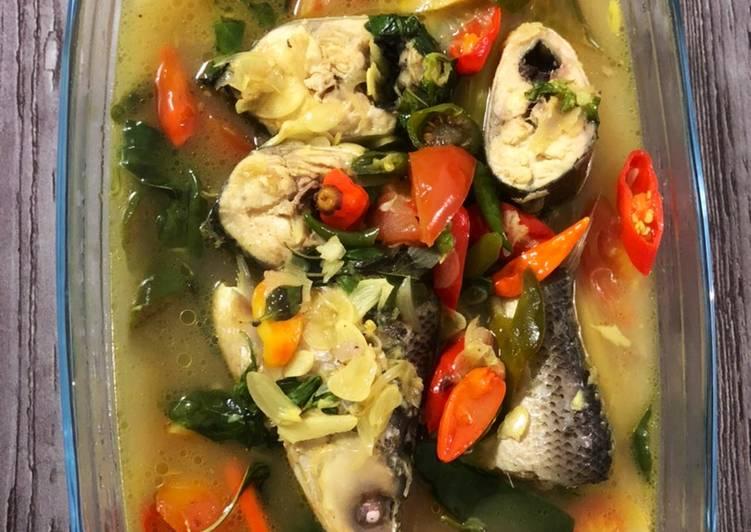 Sup ikan bandeng kuah kuning