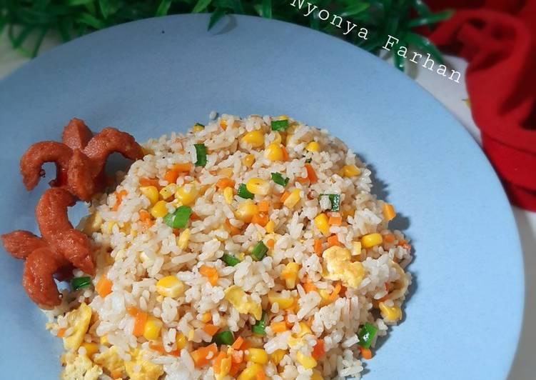 Langkah Mudah untuk Menyiapkan Nasi Goreng Hongkong, Enak