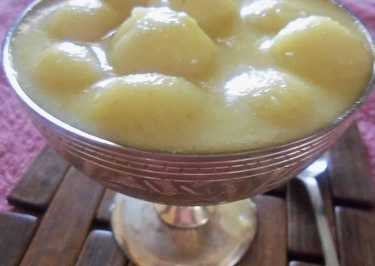 Rice flour balls in coconut milk