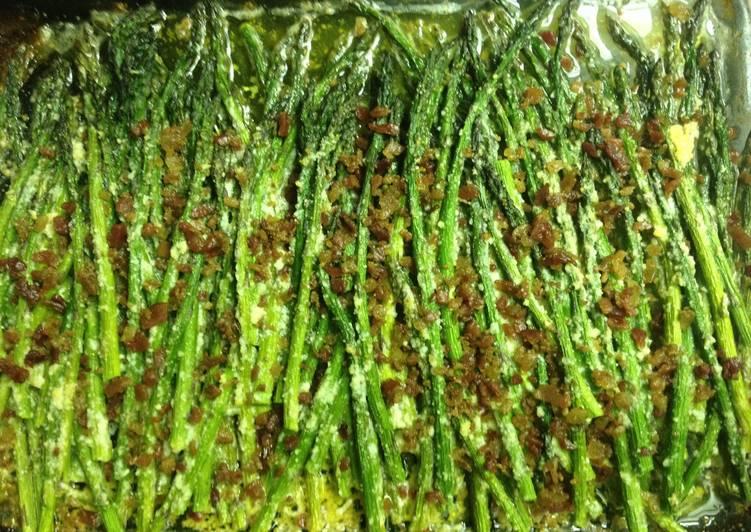 Recipe: Tasty Garlic Parmesan Asparagus With Bacon
