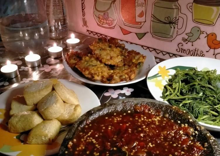 Rujak kangkung for dinner 😁