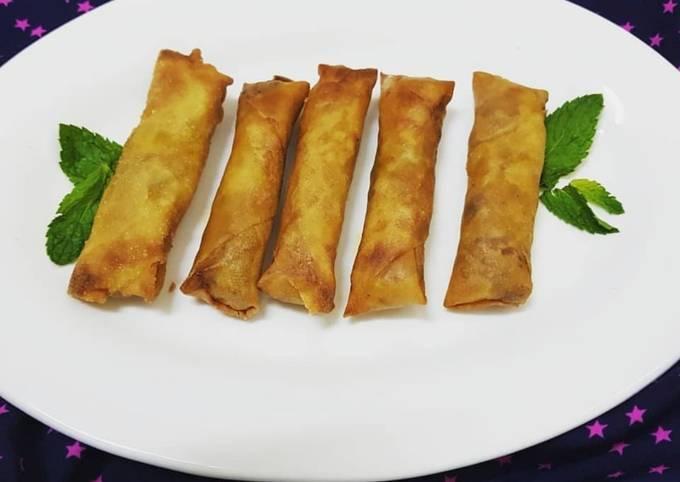 Chicken cheese spring rolls
