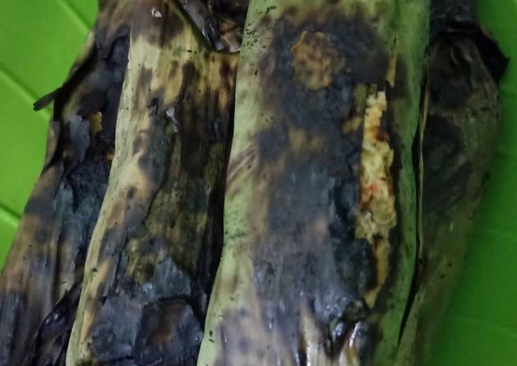 Pepes ikan teri (palai bada) khas minang penuh cinta