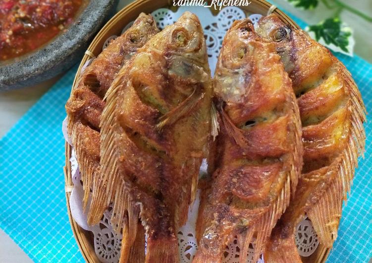 Kakap Goreng Simple with Sambal Dadak Khas Sunda