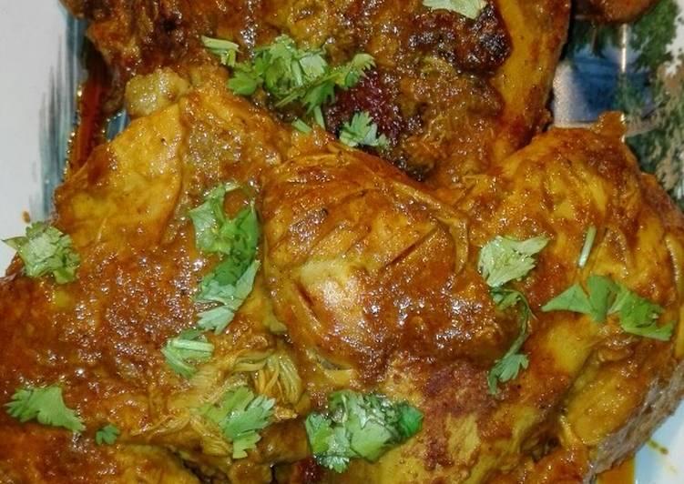 Mughlai Chicken Roast With Tomato Gravy