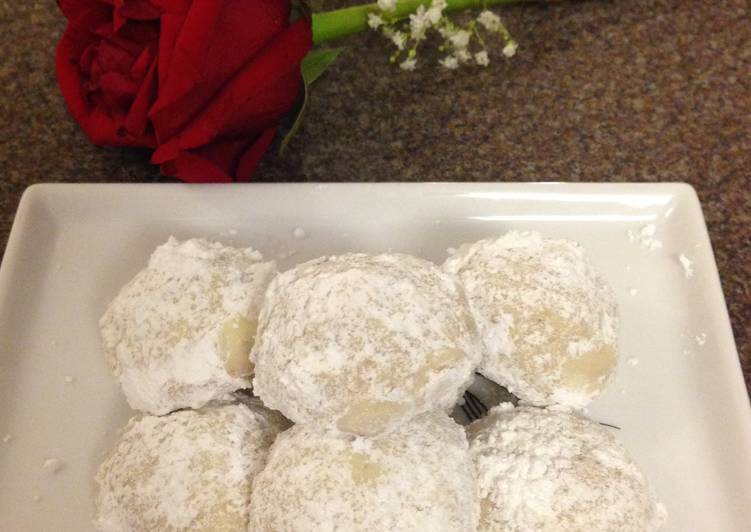 Soft Mexican Wedding Cookies