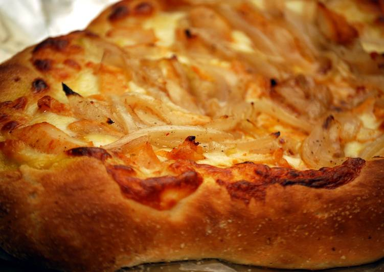 Sweet & Spicy Onion Pizza