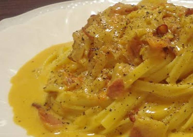 Simple Way to Prepare Homemade Tomato Carbonara With Plenty Of Bacon