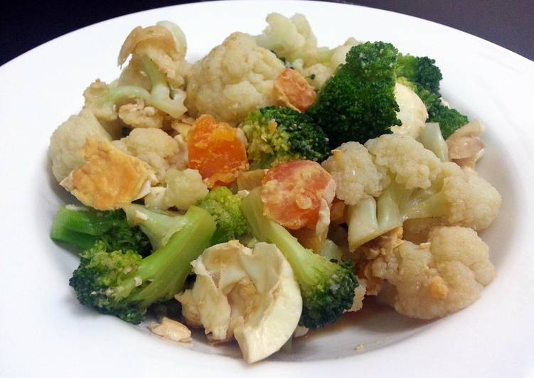 LG CAULIFLOWER WITH SALTED EGG