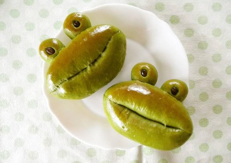 How to Prepare Yummy Matcha and Ama-Natto Frog Shaped Buns