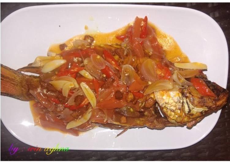 Resep Kakap goreng saus asam manis Yang Gampang Lezat