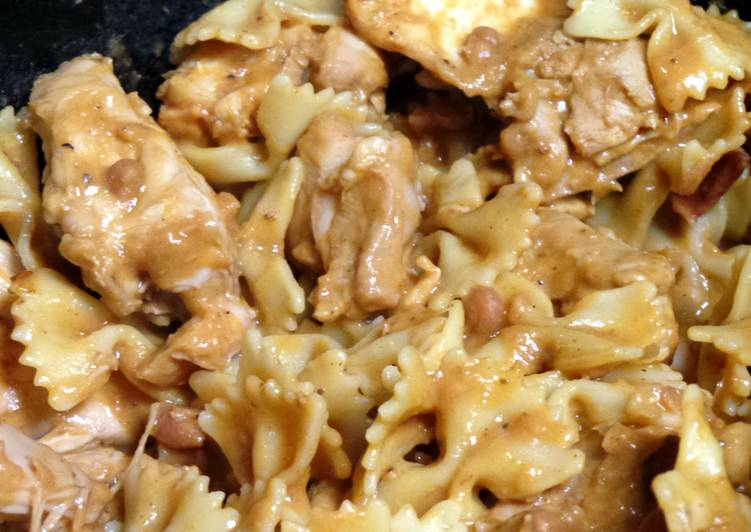 Bangin' Crockpot Chicken & Pasta