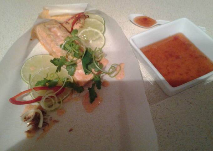 Red coconut curry salmon