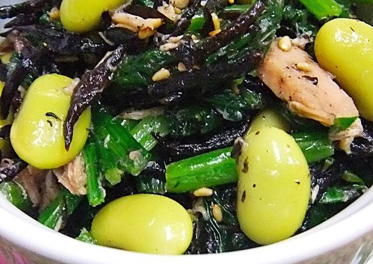 Discover How to Boost Your Mood with Food Hijiki Seaweed, Edamame, Tuna and Spinach with Ponzu Sauce