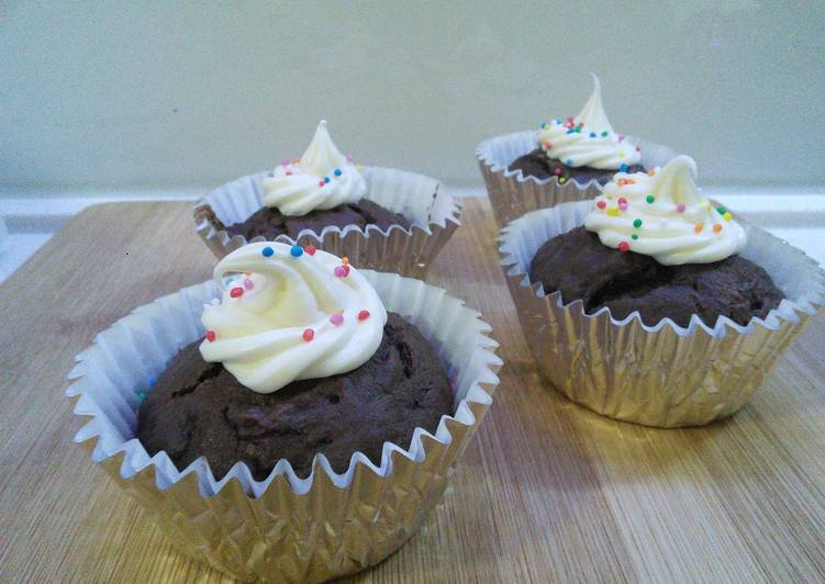 Recipe of Any-night-of-the-week Rich chocolate cupcakes