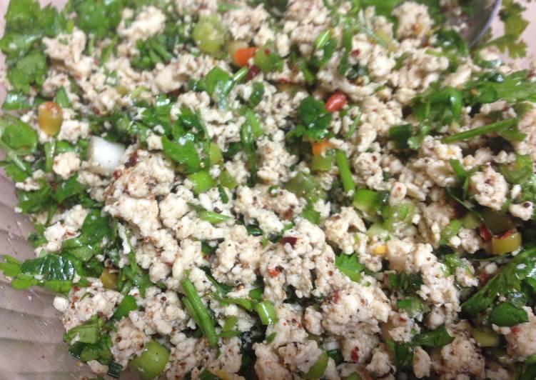 Laap Gai aka Minced Chicken Salad
