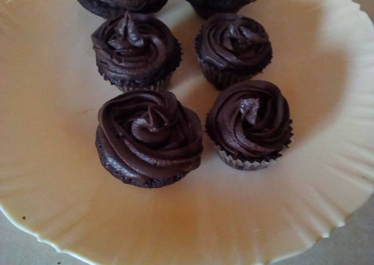 Easiest Way to Make Perfect Chocolate buttercream frosting