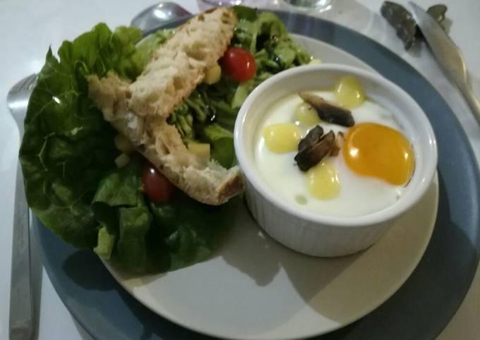 Oeuf cocotte au champignons de Paris et Cantal