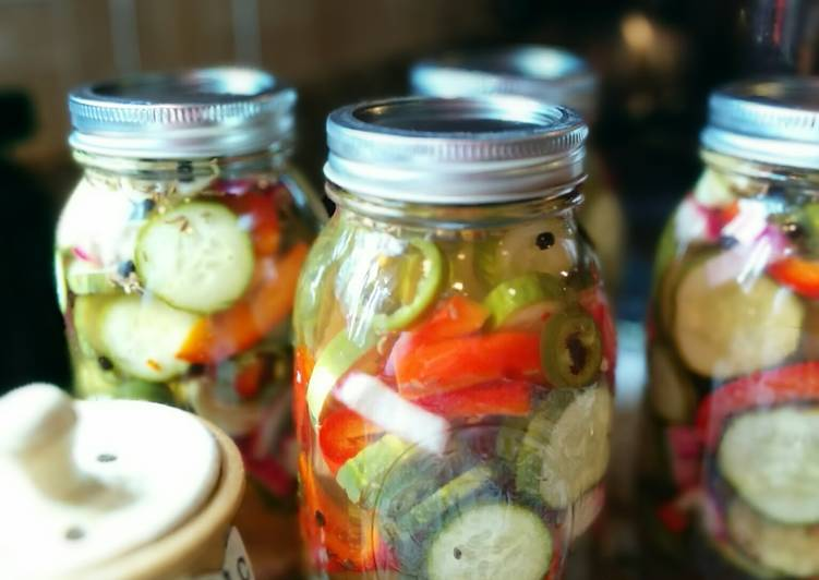 Simple Way to Prepare Super Quick Homemade Spicy Dill Pickles with Jalapenos