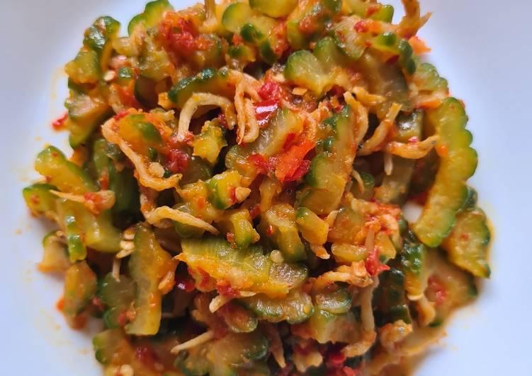 Stir-fry Bittergourd w Salted fish